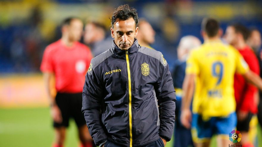 Paquito Ortiz se sentará por última vez, probablemente, en el banquillo entrenando a la UD Las Palmas en La Liga.