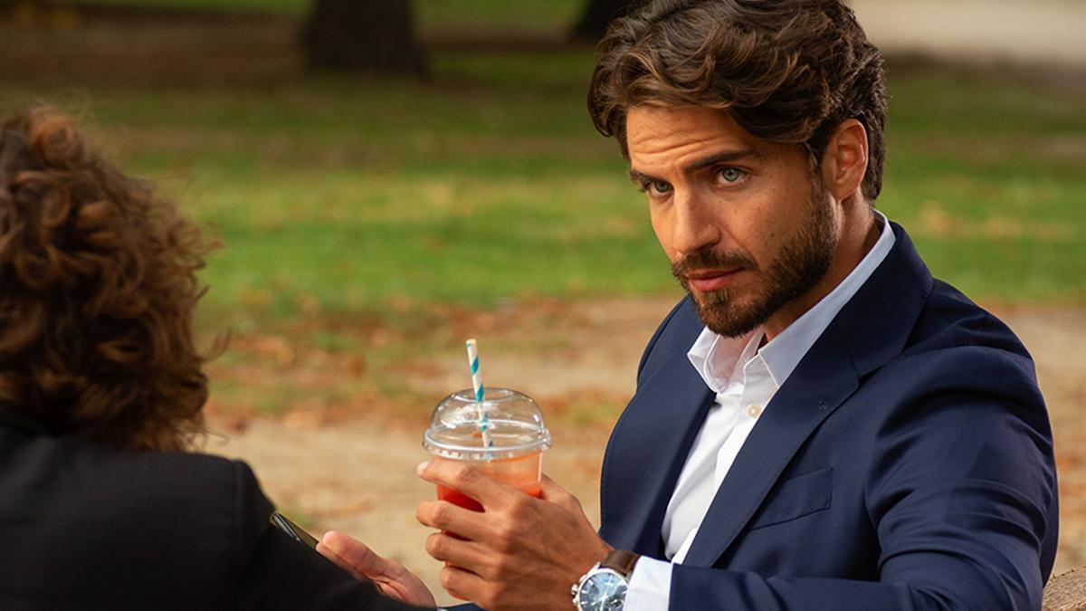 Maxi Iglesias en 'Valeria'