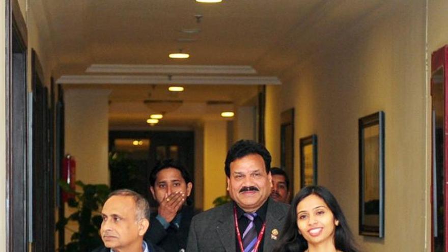 Llega a su país la diplomática india que provocó la polémica con EE.UU.