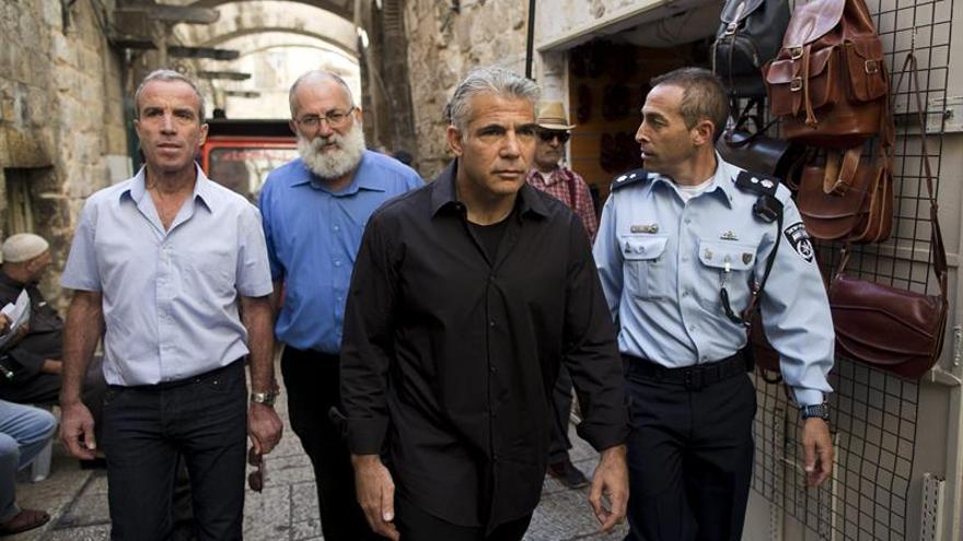 Lapid insta a una conferencia regional con países árabes para alcanzar la paz