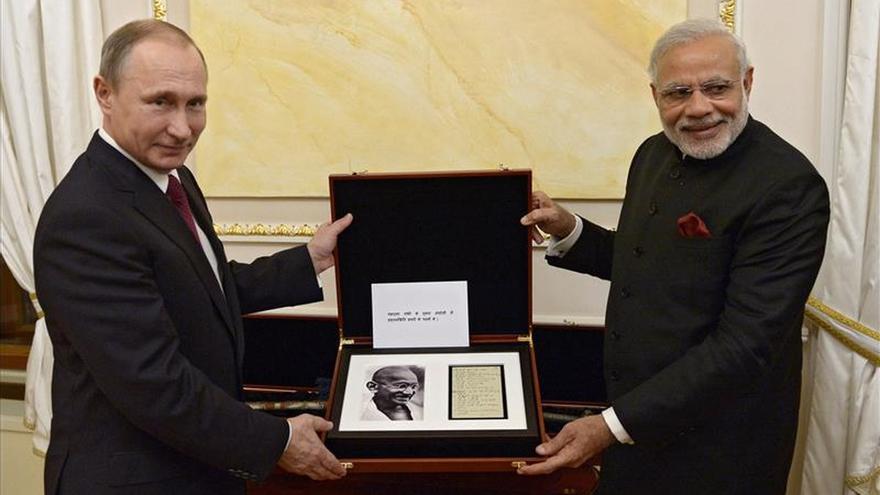 Putin y Modi impulsan en Moscú la relación estratégica entre Rusia y la India