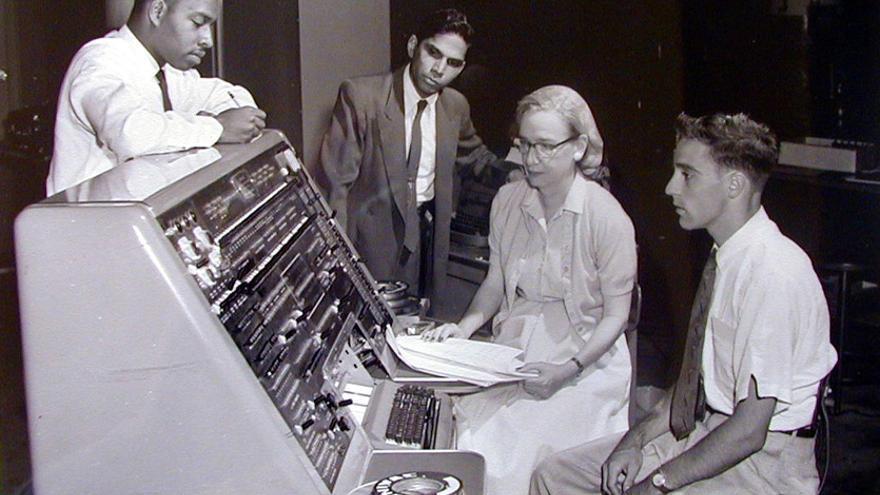 Grace Hopper con la UNIVAC