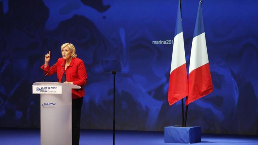 """Marine Le Pen dice que la UE """"morirá"""" si es elegida presidenta de Francia"""