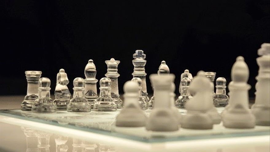 Ajedrez de cristal. Foto: Obsidian Photography.