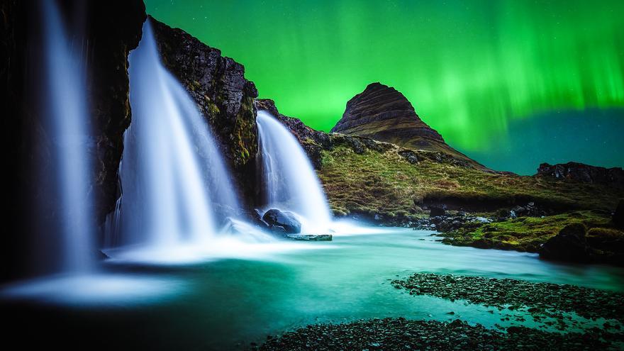 Las luces del norte sobre la Península de Snaefellses, en el extremo norte de Islandia. Andrés Nieto Porras