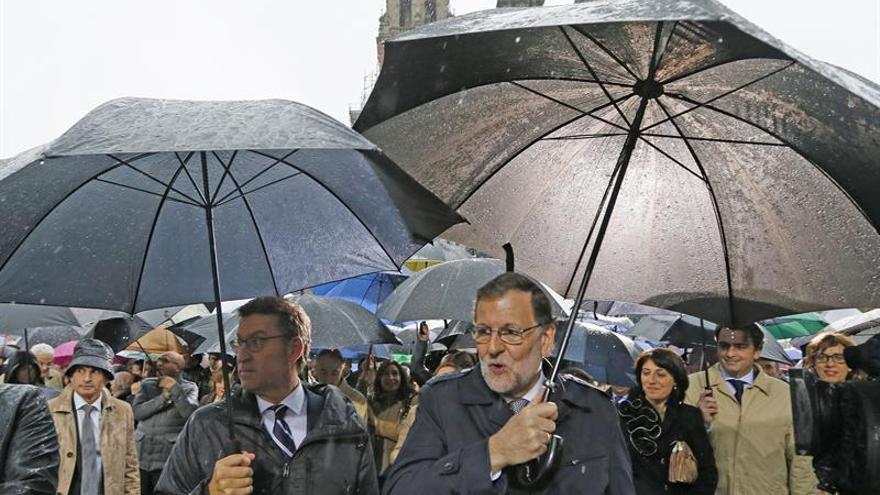 El PP se afianza como primera fuerza por delante de Podemos, según una encuesta