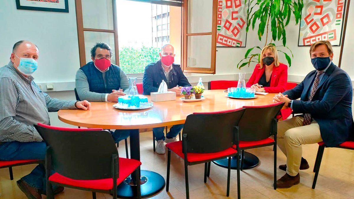 Reunión entre CCOO y el delegado de la Junta de Andalucía.