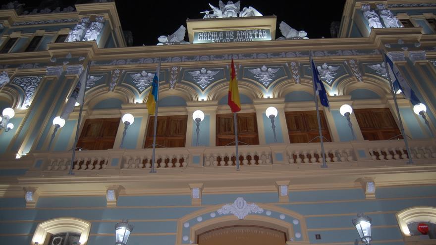 Fachada de la sede principal del Círculo de Amistad XII de Enero
