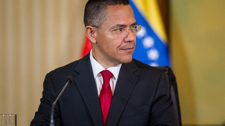 """Venezuela califica como un """"absurdo de antología"""" las declaraciones de Trump"""