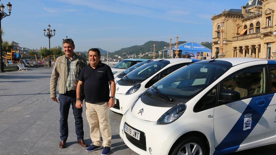 La flota municipal de vehículos de San Sebastián incorpora cuatro eléctricos, con un coste de 85.000 euros