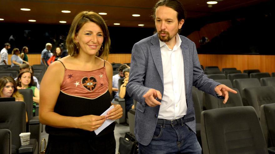 Pablo Iglesias y Yolanda Díaz, antes de la presentación de la proposición de ley sobre pensiones.