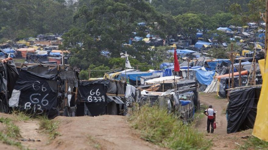 """Unos 8.000 """"sin techo"""" reivindican en Sao Paulo servicios básicos"""
