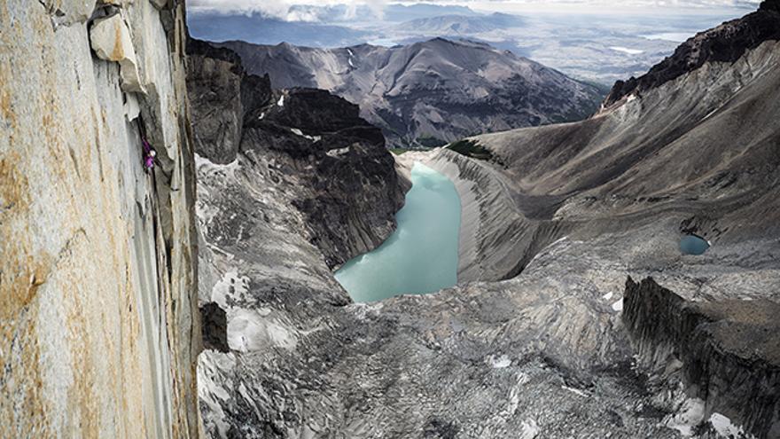 Mayan Smith-Gobat en el largo 16 de 'Riders on the Storm', en las Torres del Paine.
