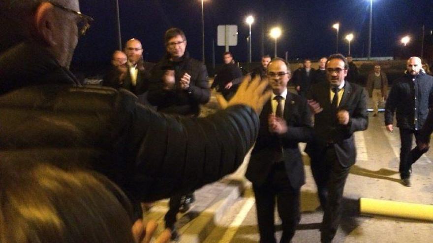 Los exconsellers salen de la prisión de Estremera   Foto: @JuntsXCat