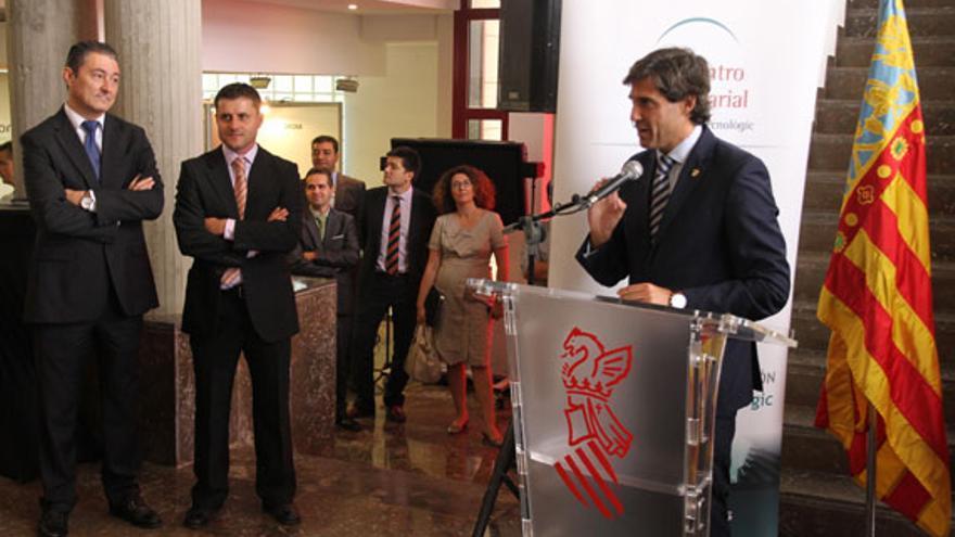 El alcalde de Paterna, el popular Lorenzo Agustí, en un acto público