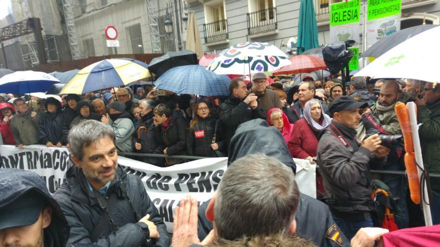 Manifestación de pensionistas frente al ministerio de Hacienda.