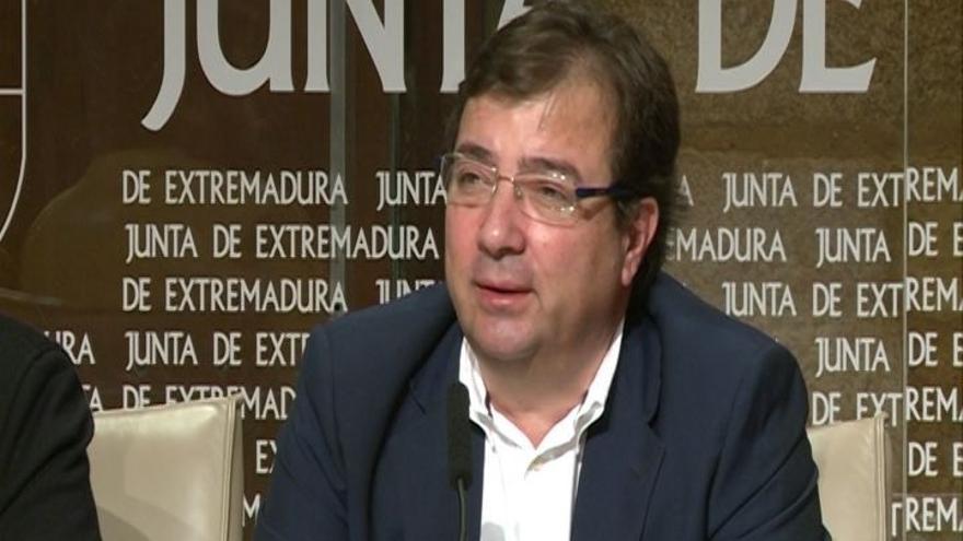 """Fernández Vara acusa al PP de """"irresponsabilidad"""" por apoyar el veto de Podemos a los Presupuestos de Extremadura"""