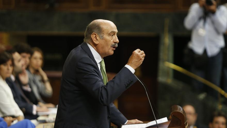 El regionalista José María Mazón (PRC) durante una sesión en el Congreso.