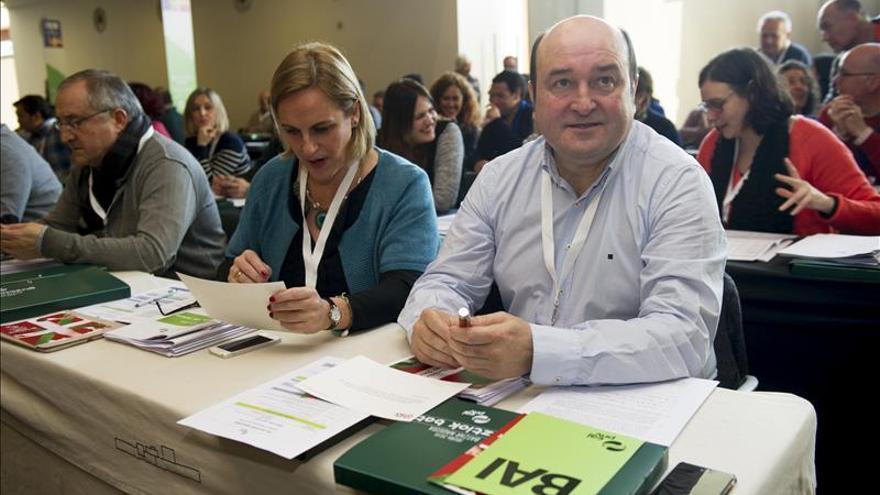 """PNV aprueba una """"hoja de ruta"""" para dar """"un nuevo paso"""" hacia el autogobierno"""