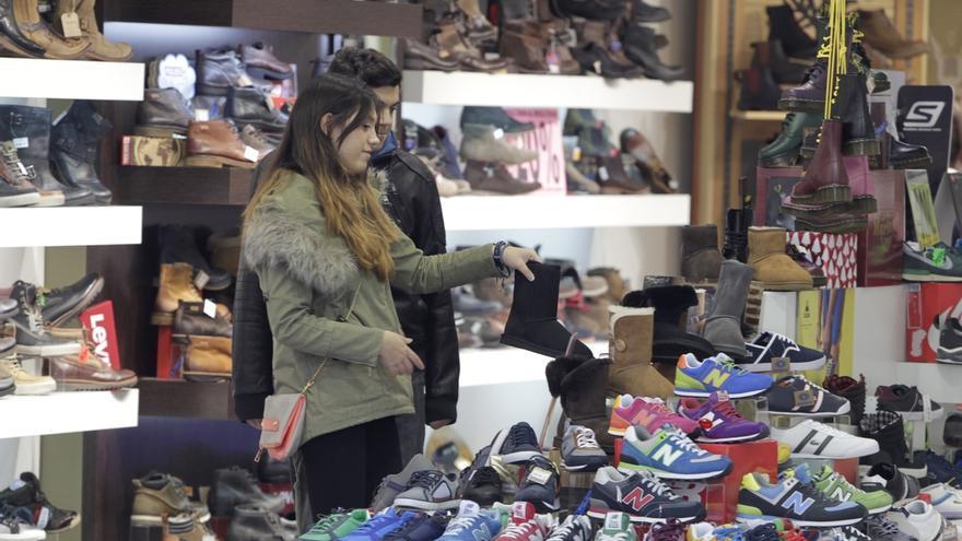 Cantabria continúa liderando el incremento de las ventas y el empleo en el comercio minorista en febrero