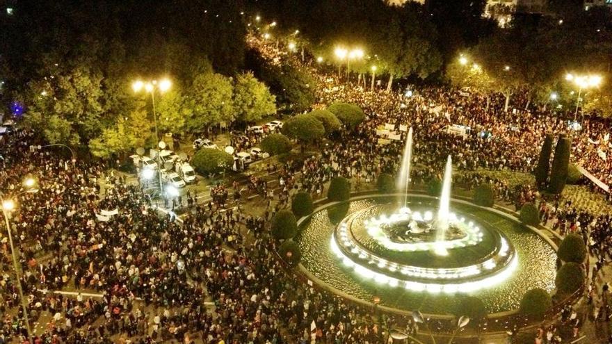 Foto aérea de la manifestación de la huelga general del 14N. / Juan Luis Sánchez