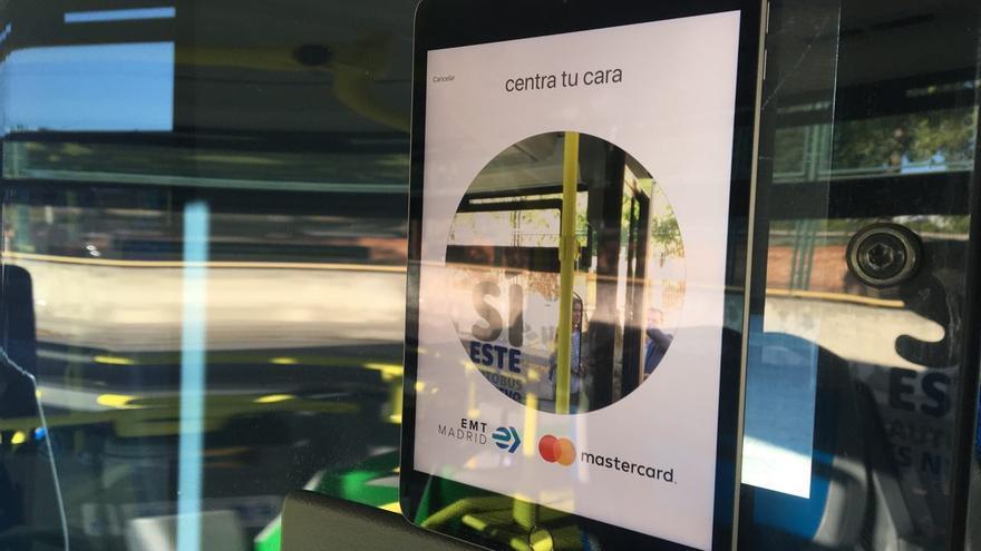 Sistema de reconocimiento facial de Mastercard en autobuses de la EMT.