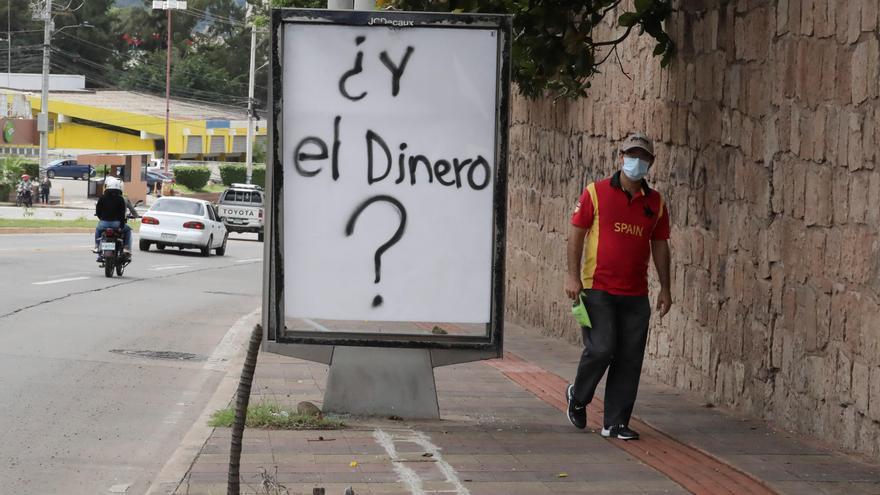 """Hondureños están pagando """"vicios"""" como el control del poder, según socióloga"""