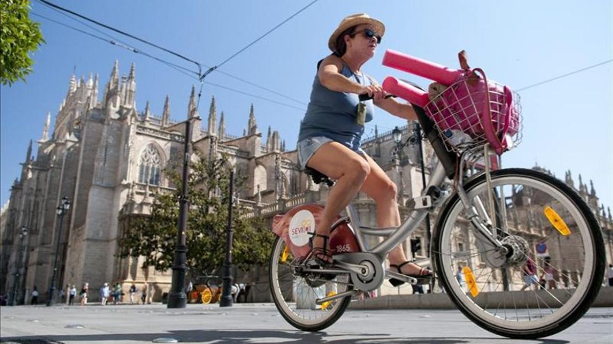 La bicicleta es uno de los modos de transporte que aspira a asentar el PMUS.