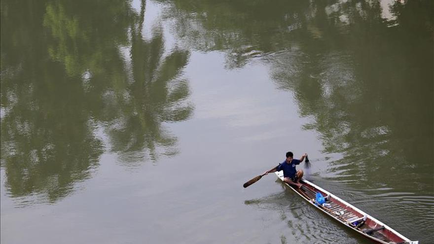 Diez estudiantes muertos al hundirse un barco en Laos