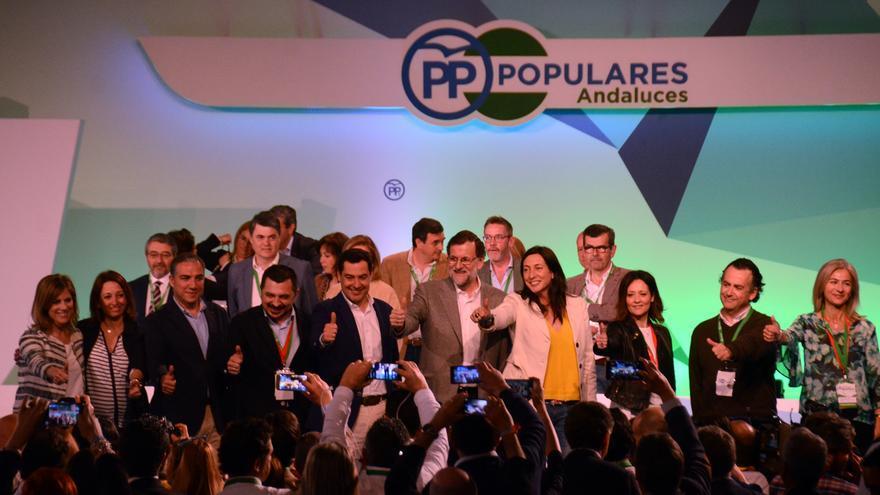 Mariano Rajoy con la nueva cúpula del PP-A.