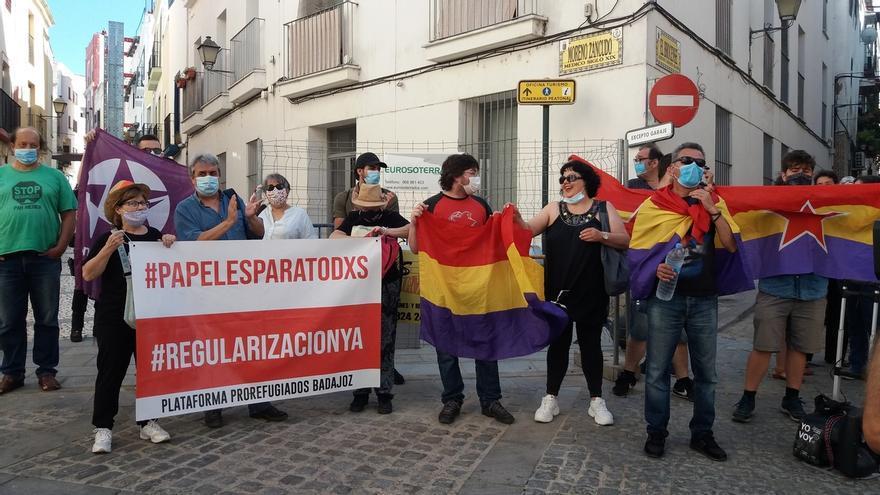 Colectivos antimonárquicos protestan en Badajoz con motivo de la visita del Rey Felipe VI