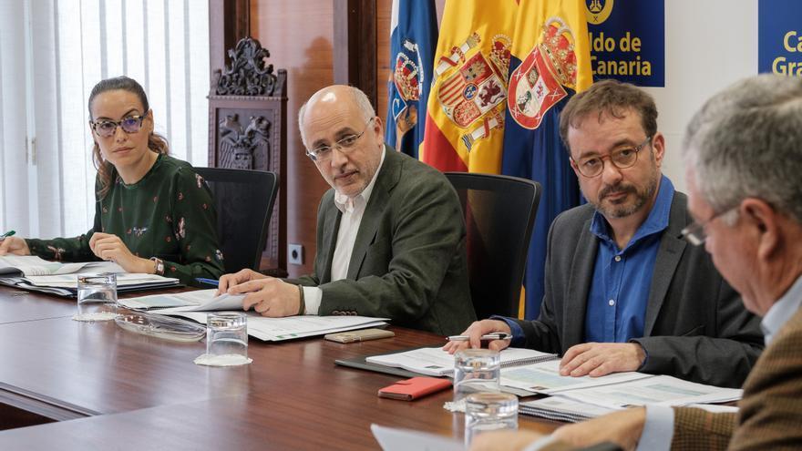 Reunión del Consejo Insular de la Energía, presidido por Antonio Morales