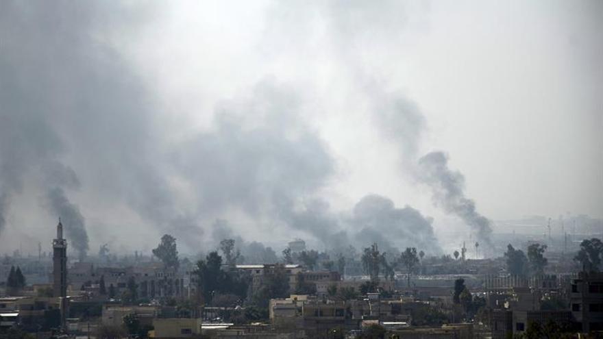 Encuentran una fosa común del EI con 500 cadáveres al oeste de Mosul