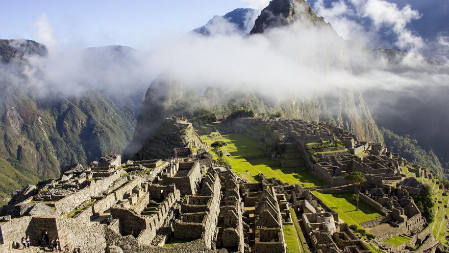Amanece sobre Machu Picchu.