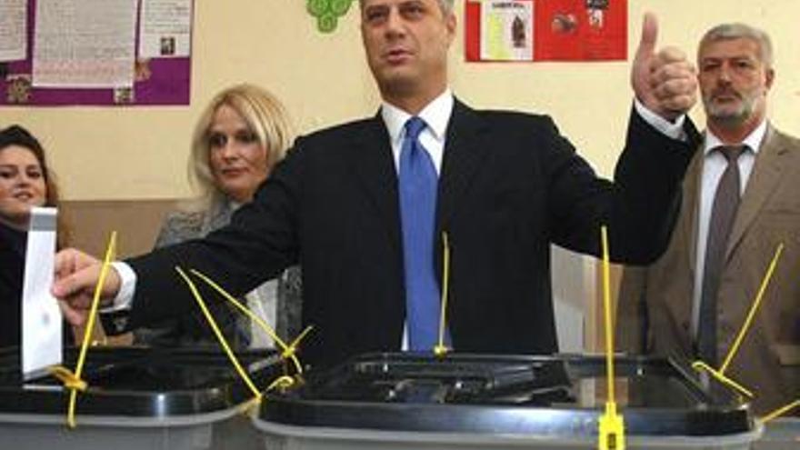 Normalidad durante primeras horas de votación en las municipales de Kosovo