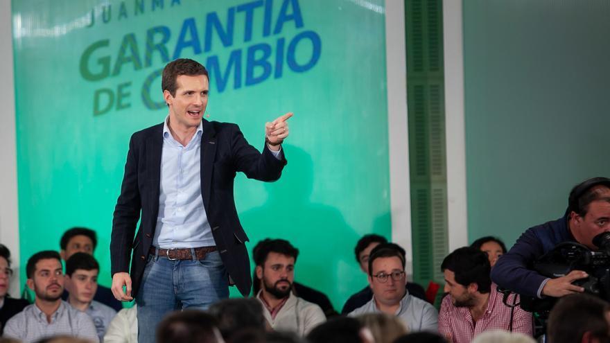 """Casado anuncia negociaciones para gobernar Andalucía y ve ratificado su proyecto frente al """"fracaso"""" de Sánchez"""