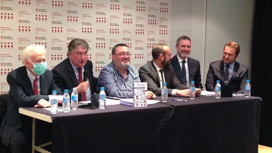 """Boadella, con mascarilla, proclama desde la Delegación de la Generalitat: """"Ahora no me gusta ni el paisaje de Cataluña"""""""
