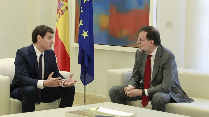 Rajoy y Rivera acuerdan verse y mantendrán vías de diálogo ante el desafío independentista en Cataluña