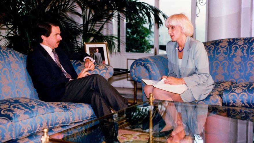 José María Aznar y la alcaldesa Cádiz, Teófila Martínez (2000)