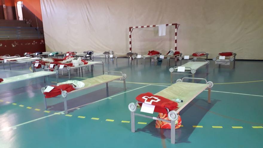 El Ejército cede 600 camas a la Cruz Roja para atender a los evacuados en Gran Canaria