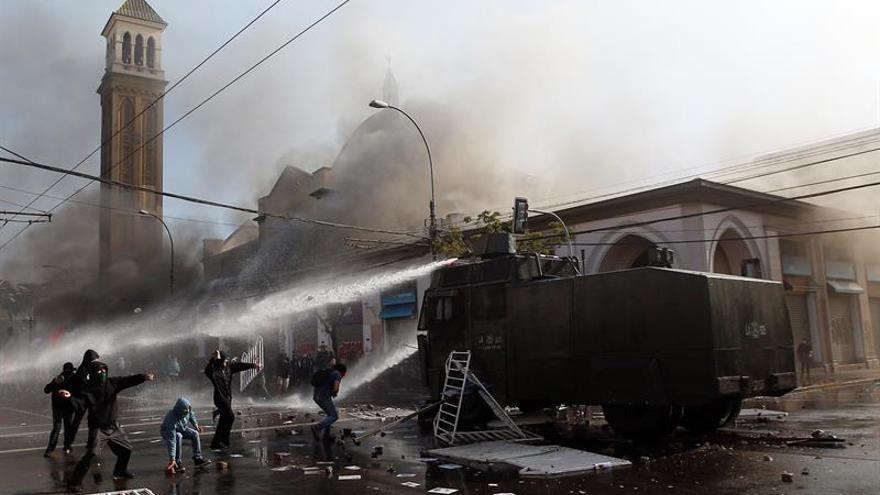 Un muerto en un incendio provocado en Valparaíso tras la cuenta pública de Bachelet