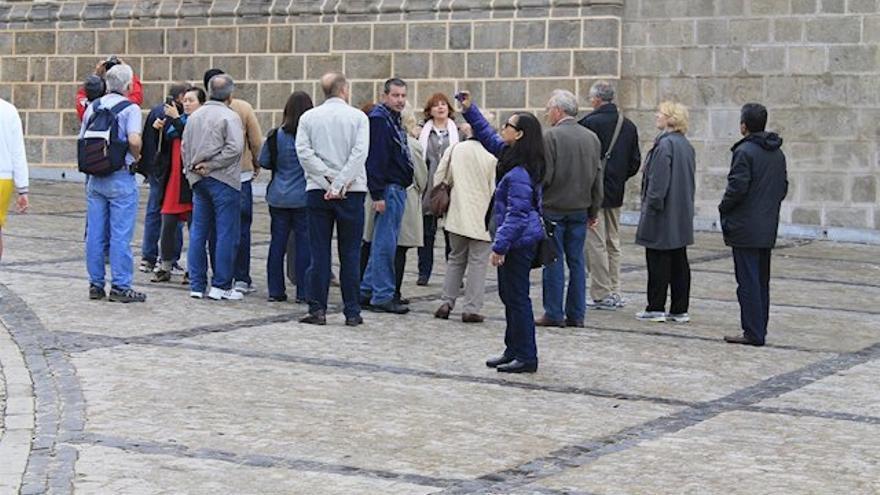 Más presión contra el decreto de guías turísticos: los autónomos de CECAM piden frenarlo y seguir dialogando