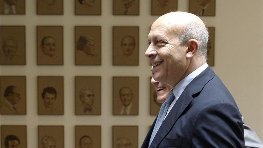 """El PSOE afirma tras reunirse con Wert que se ha encontrado con """"un muro"""""""