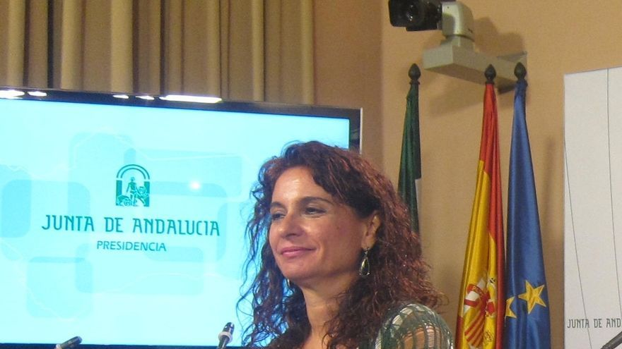 """Montero afirma que la ejecución de los presupuestos de la Junta llega al 95% y critica el """"argumento falso"""" del PP"""