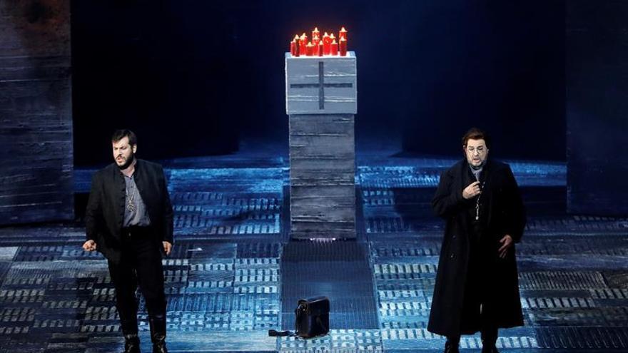 """Livermore se """"coló"""" entre Caré y Plácido Domingo en el Don Carlo de les Arts"""
