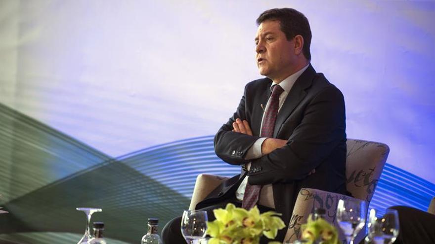 García-Page: No se puede reinventar España por ganar cuatro votos en el PSC