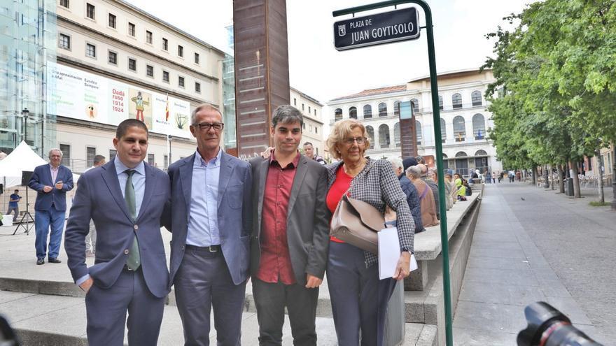 Acto de cambio de nombre de la plaza Juan Goytisolo. Imagen: Ayuntamiento de Madrid