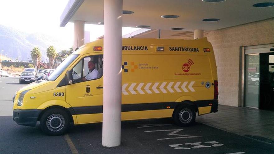 Herida  al colisionar su vehículo con un muro en Breña Alta