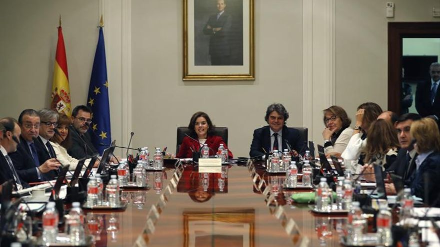 S.Santamaría preside reunión que ultima trámite del acuerdo sobre el clima