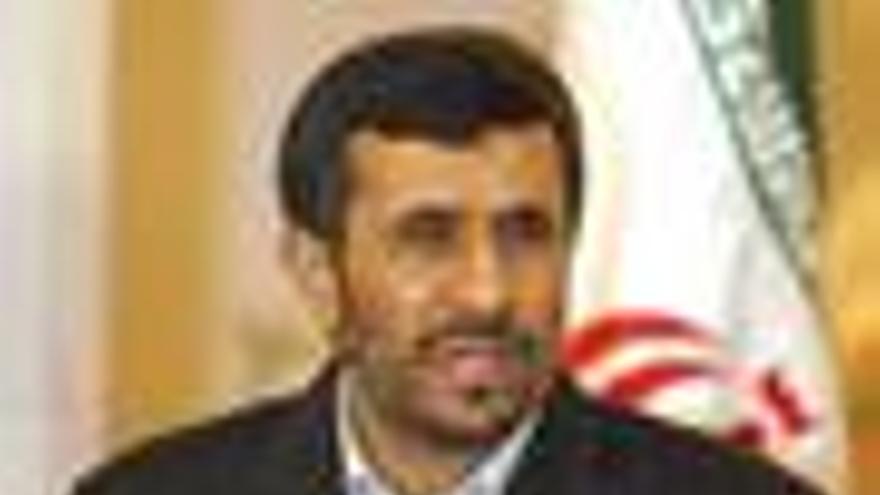 El Parlamento iraní rechaza definitivamente la propuesta internacional para que envíe su uranio al extranjero